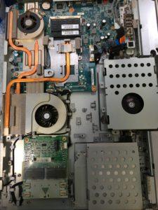 フリーズするSONY一体型パソコンPCG-2Q2Nの分解とデータ復旧