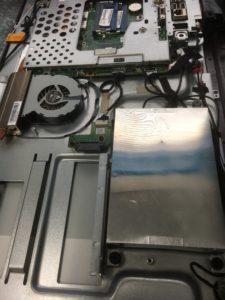 起動時に青い画面で固まるNEC製Winwdows8ノートPCデータ復旧