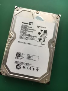 DELLデスクトップPCが起動時にロゴマークで固まる故障の修理