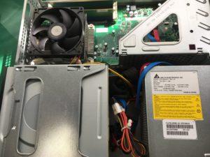 動作中に倒して起動しなくなったデスクトップPCの修理